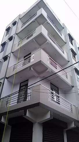 80 gaj 3bhk with car parking at 33 lacs in uttam nagar with 90% loan