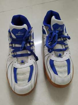 Badminton No-Marking Shoes in new condition