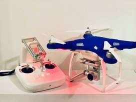 DJI Phantom 4 4K Camera Drone - Like new, with extra battery BUNDLE