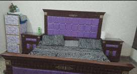 King size bed wuth side tables