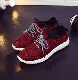 Sepatu running import wanita