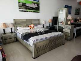 Beautiful Polish Master Bed Set,Master Chester Dressing & Side tables