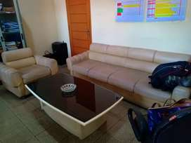 Menerima jasa Servis sofa