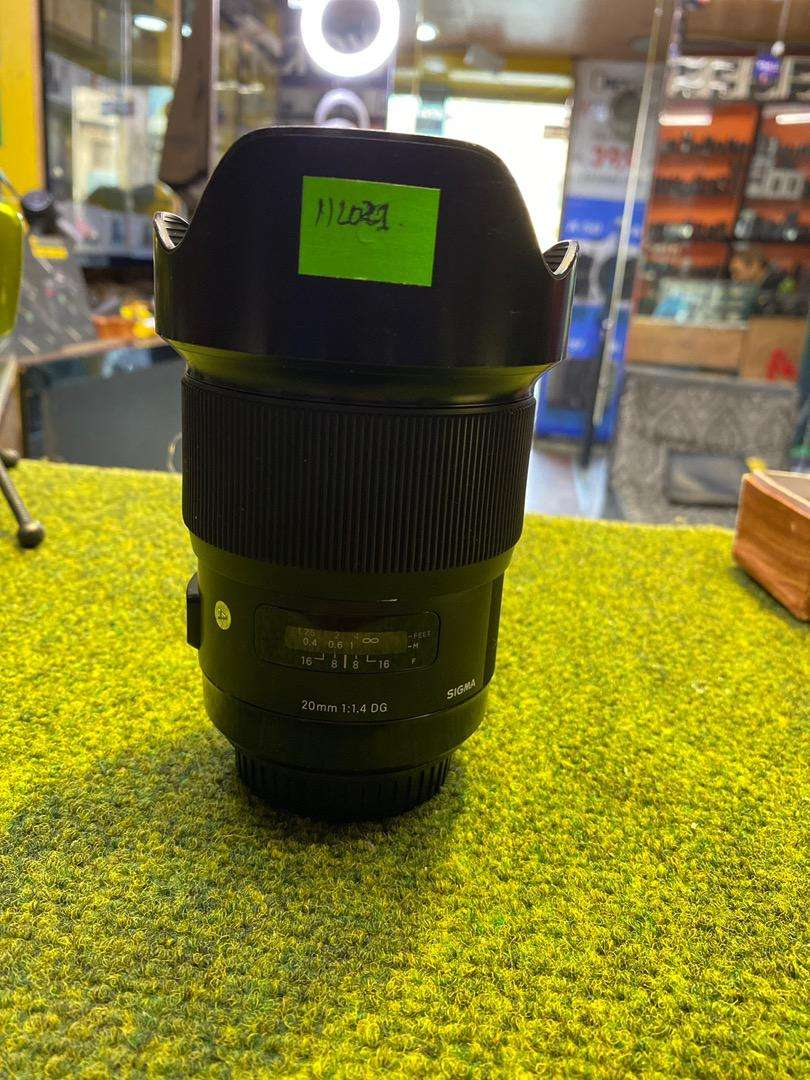 Sigma 20mm f/1.4 DG Art Good Condition (For Canon Full Frame)