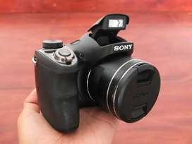 Camera sony DSC H300