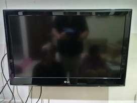 TV LG LED 32 INCH - 32LV2130 BEKAS