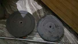 in good condition gym equipments
