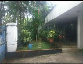 Lokasi di Pusat Kota Jakarta. Rumah Hunian yang bokeh dibuat Kos kosan