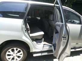 Mobil toyota innova e 2008