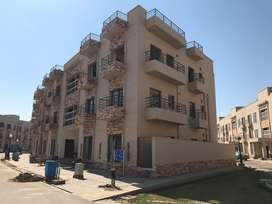 Brand new 10 marla flat for sale in Lahore
