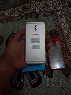 Samsung j7 plus fulsed  gold ram 4 mulus no minus
