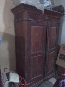 Almari kuno kayu nangka