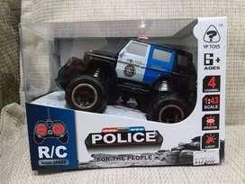 Mainan remot jeep police