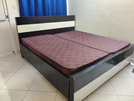 King size (6x6) storage bed with two single mattresses
