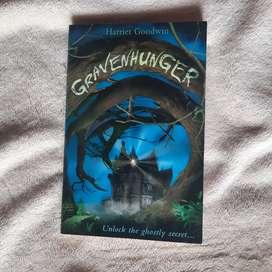 Buku cerita storybook novel english gravenhunger