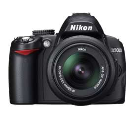 Nikon D3000 Camera Body + Lens - 18-105mm (67mm)