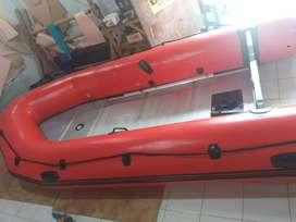 Perahu karet LCR UK 430 kap 8 orang