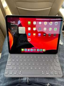 Ipad 2018 64 GB Lte + Magic Keyboard