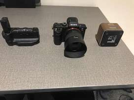Sony A7ii, with original battery grip and four batteries, 50mm 1.8