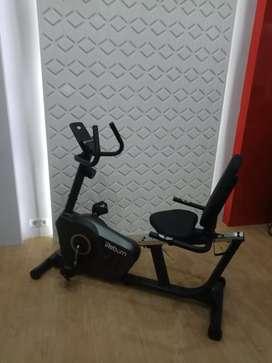 product baru/Recumbent bike bergaransi