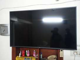 New MI TV 1 to 2month old fixed price