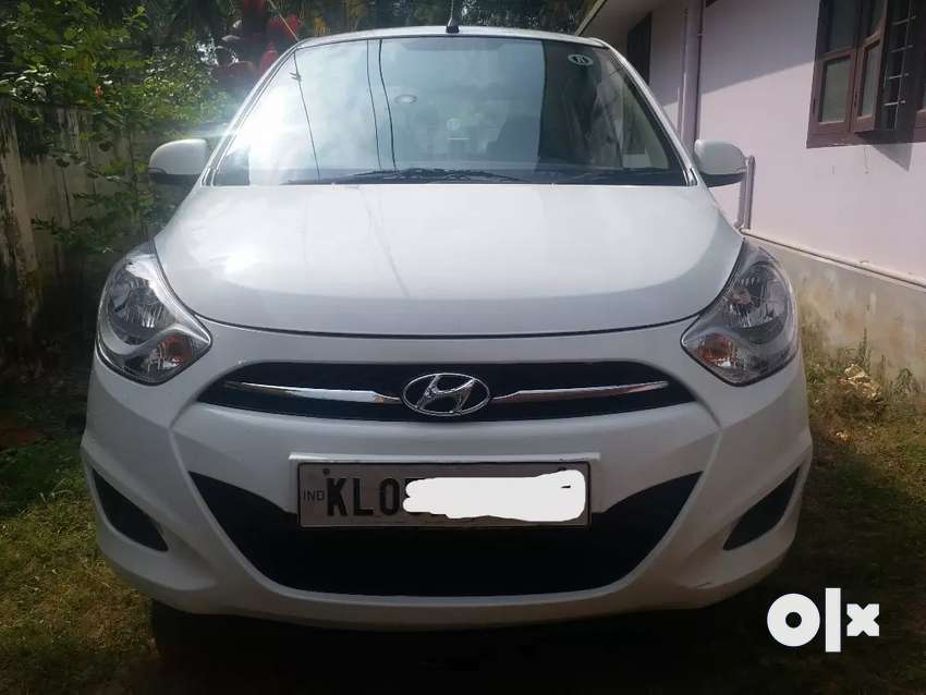 Hyundai i10 Automatic White Colour Full Option Sportz 0