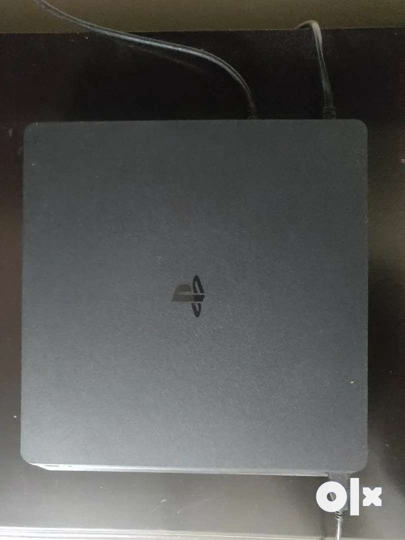 PS4 1TB SLIM ( 7 months old, barely used,with warranty) 0
