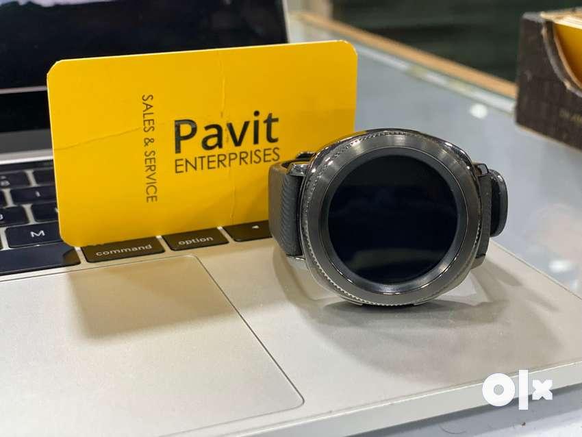SAMSUNG galaxy watch gear sport good condition just 8900 only