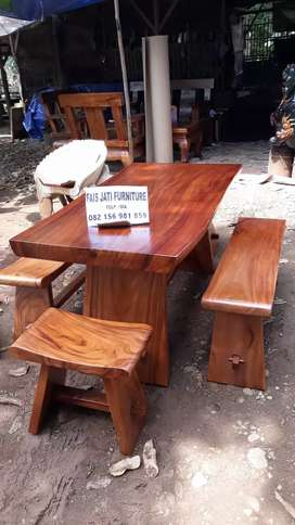 Ready stock set meja cafe trembesi solid. Free ongkir