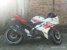 R15 v2 good condition smooth engine