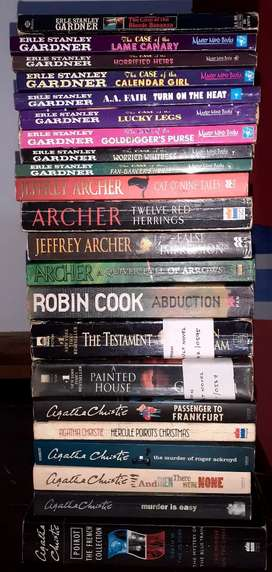 Bestsellers fiction, novels, story books 100 no's at throwaway price
