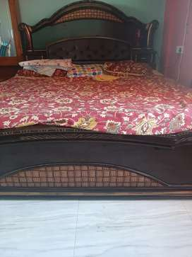 Royal design bed