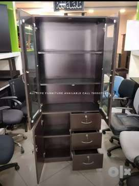 Bookshelf 6by2.5 good quality with guarantee all type furniture availa