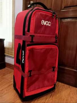 Koper Evoc World Traveller Red Ruby size.XL
