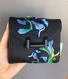 Dompet Charles and Keith cuma 200k