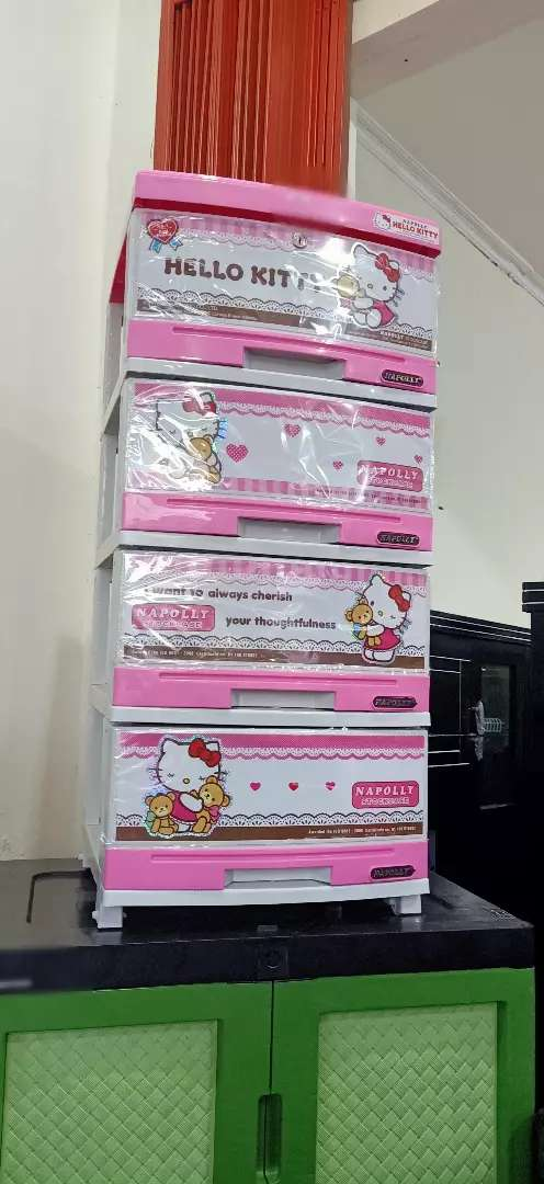 Lemari plastik 4 susun napolly hello Kitty 0