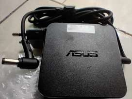 Charger adaptor laptop ASUS 19v 2.37A