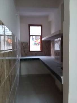 INDEPENDENT 1bhk furnished price-11000/- nearby metro station noida