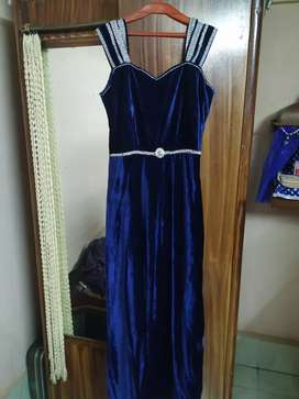 Party Wear Gown for sell, New condition