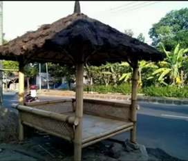 Pembuatan Saung Bambu Ukuran 2x2