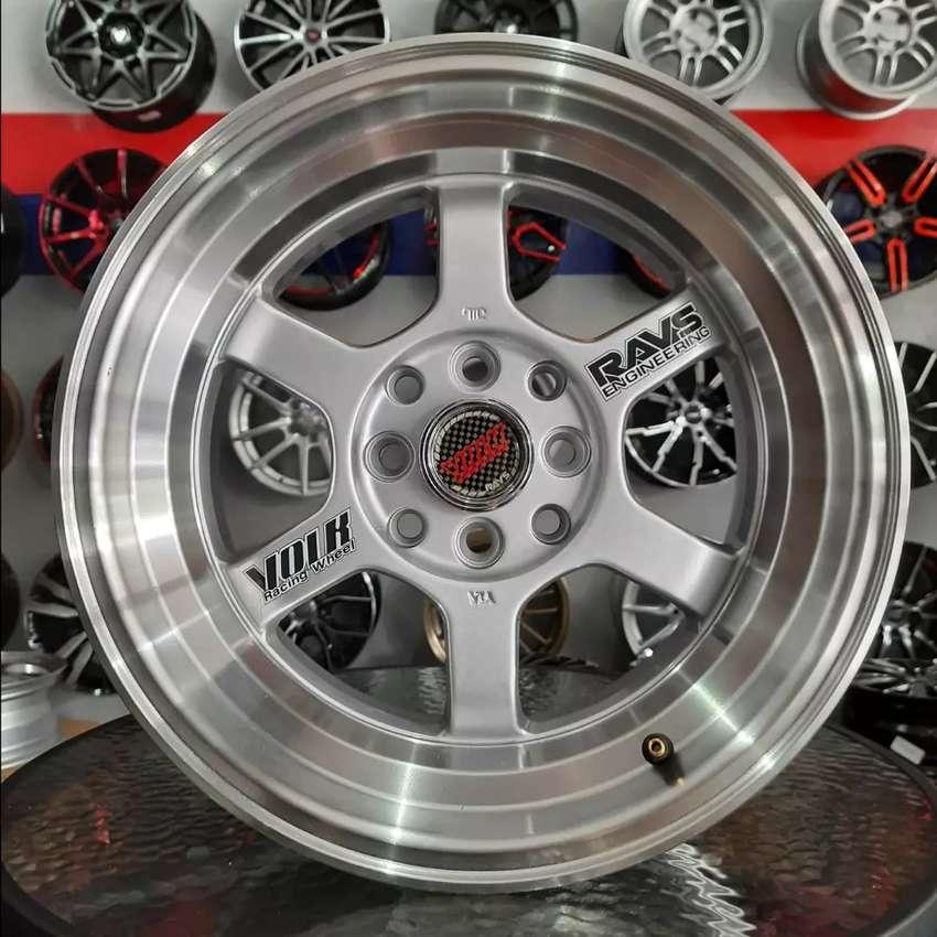 Velg rays te37 R15x7.0/8.0 h4x100/114.3 untuk mobil Datsun city Vios 0