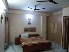 READY TO MOVE 3 BHK SPACIOUS FLAT IN LUCKNOW ON CHARBAGH ROAD