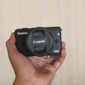 Canon M10 EOS mulus