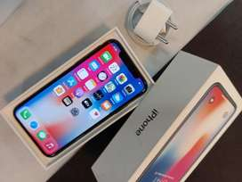 I PHONE X 256GB SILVER COLOUR WITH BILL WARRANTY AVAILABLE