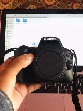 Canon 200d with lens
