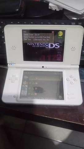 Nintendo ds LL +r4