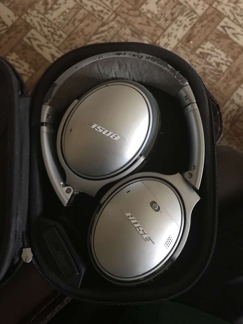 Bose qc35 (series1) noise cancellation technology wireless headphones 0