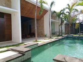 villa di nusa dua, lokasi strategis,lingk. villa, pool besar, dkt tol