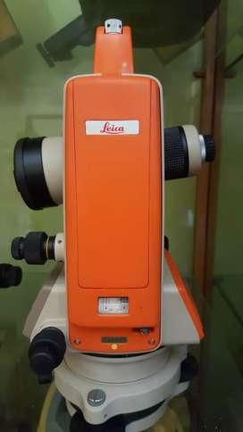 THEODOLITE DIGITAL BEKAS / SECOND LEICA T100 JUAL MURAH