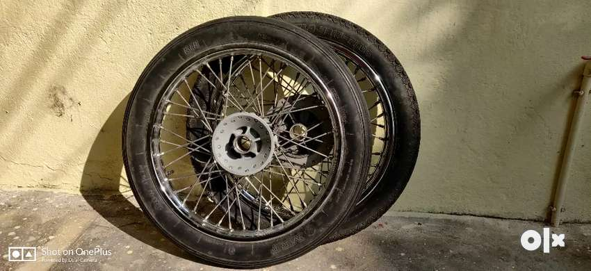 RE electra Rims with tyres 0